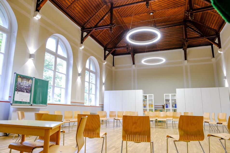 Das Schmuckstück im Schulgebäude ist die Aula, die mal als Turnhalle genutzt wurde.