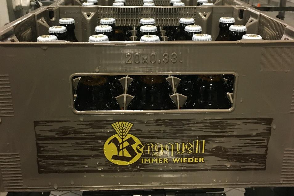 Die Flaschen kommen in speziell gestalteten Kästen á 20 Stück in den Handel.
