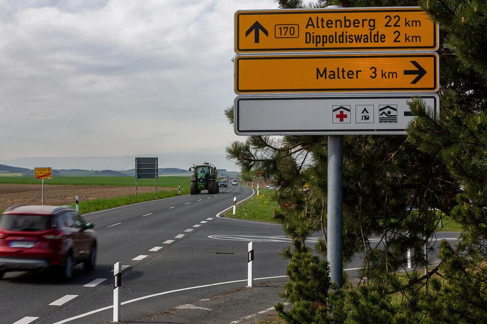 Ein Radweg an der B 170 ist geplant. Dafür beginnen die Vorarbeiten. Bald wird vermessen.