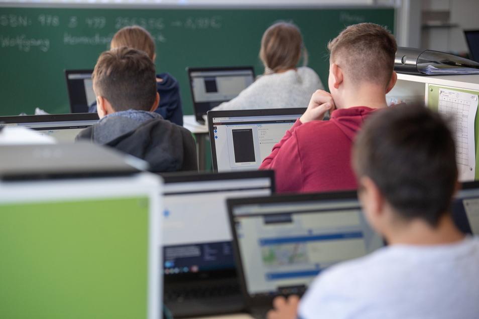 Probleme sieht der Bildungsmonitor bei der Digitalisierung Sachsens.
