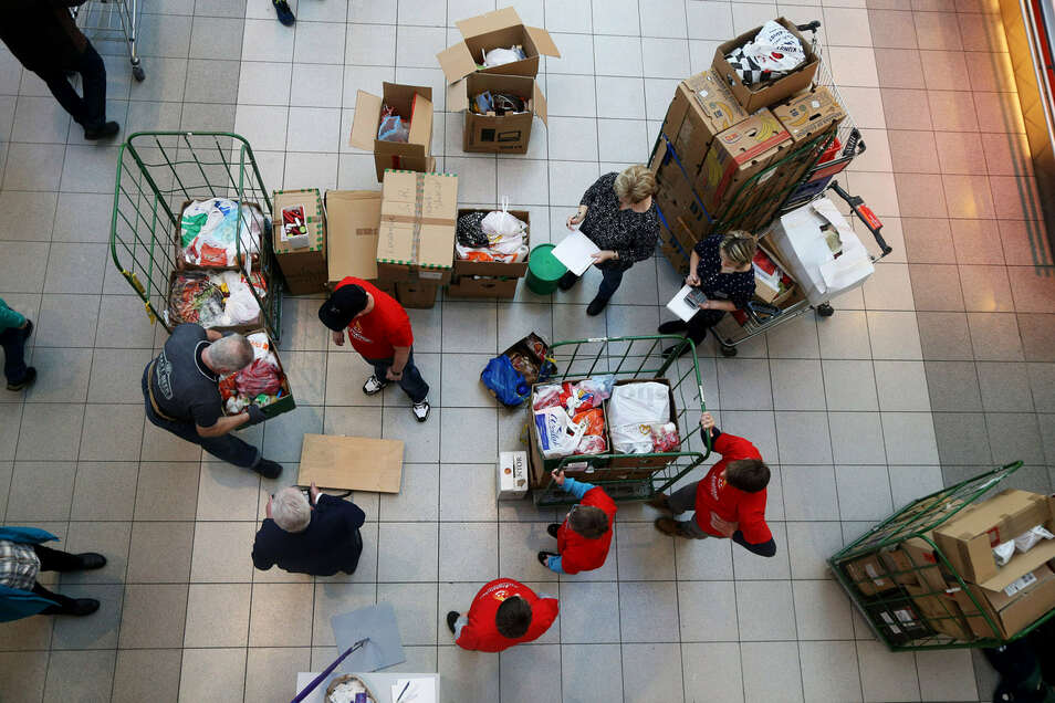 In Riesa werden jetzt wieder Weihnachtspäckchen und Wachsreste gesammelt. Bei letzterer Aktion waren in der Elbgalerie im Januar mehr als 1,2 Tonnen zusammengekommen (Foto).