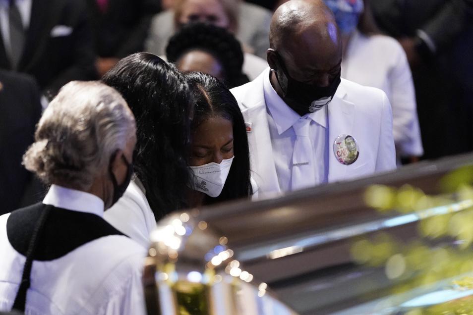 George Floyd wurde beigesetzt - der Kampf gegen Rassismus geht weiter