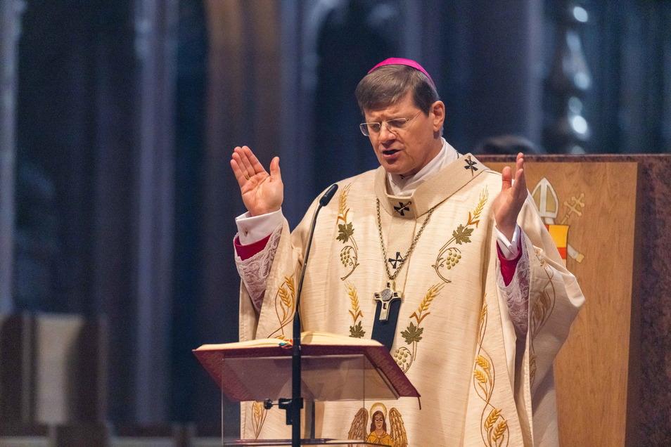 Stephan Burger ist Erzbischof in Freiburg. Sein Erzbistum muss sich zum wiederholten Mal zu seinen Äußerungen in einem Missbrauchsfall korrigieren