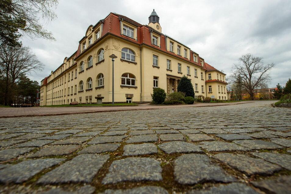 """Das Altenpflegeheim """"Am Spitzgrund"""" in der Friedewaldstraße in Coswig. Hier kam es zu einem Impfdurchbruch bei Bewohnern."""