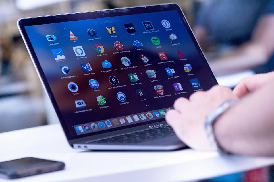 Bis Ende Januar soll in Meißen jeder Schüler, der nicht selbst an einem Rechner arbeiten kann, über ein mobiles Endgerät verfügen können.