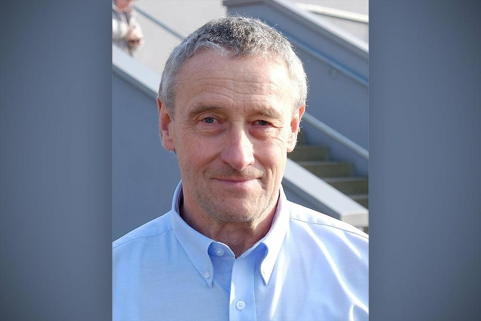 Michael Hennig (65) ist seit Ende 2019 Chef des Organisationsteams des Meißner Turniers um den Pokal der Blauen Schwerter.