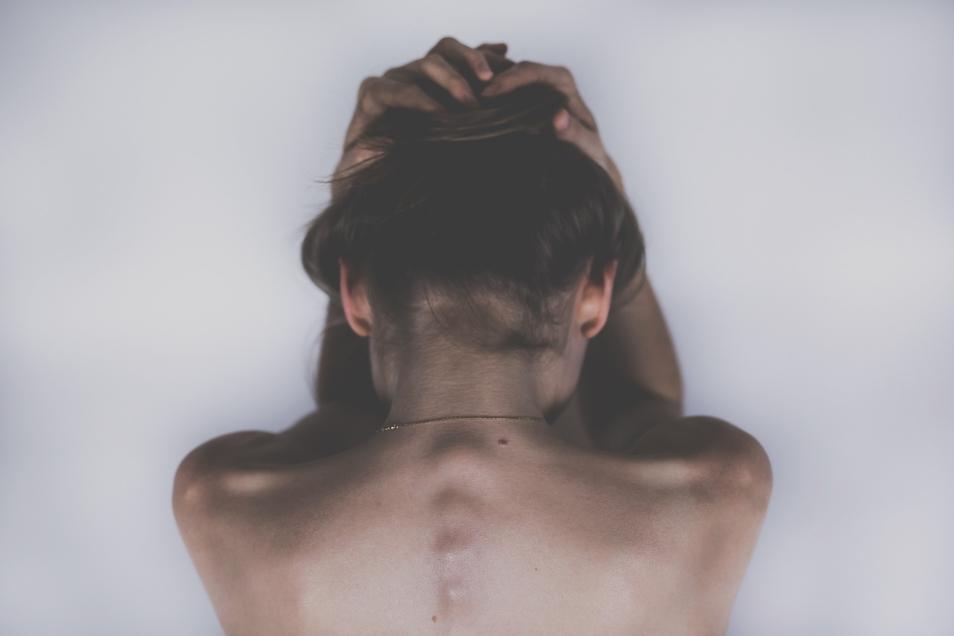Körperliche Schmerzen haben oft seelische Ursachen. Die Döbelner Heilpraktikerin Alrun Türpe-Morgenstern setzt auf diesen osteopathischen Ansatz.