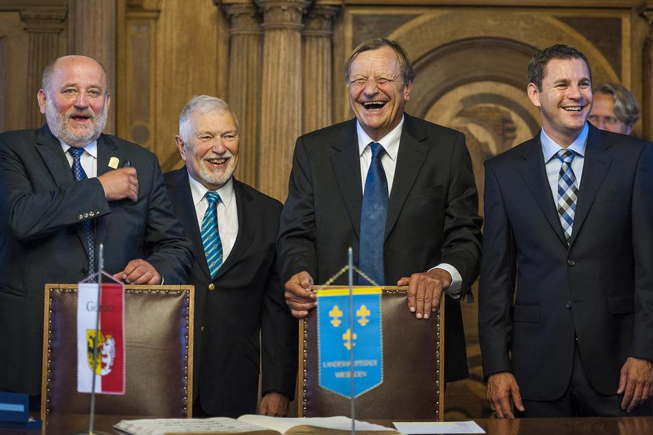 Das waren noch Zeiten als Wiesbadener Vertreter mit dem Görlitzer OB Siegfried Deinege (links) beim Görlitzer Altstadtfest feiern konnten.