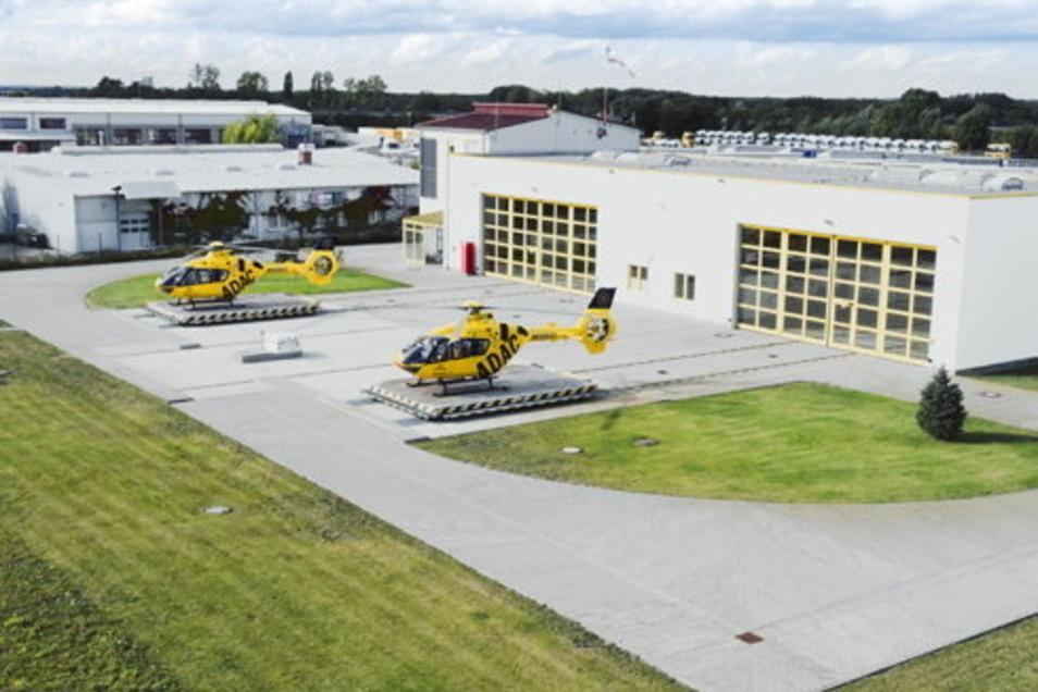 Von dieser Doppelstation der ADAC Luftrettung in Schkeuditz/Dölzig aus starten die Leipziger Rettungshubschrauber.