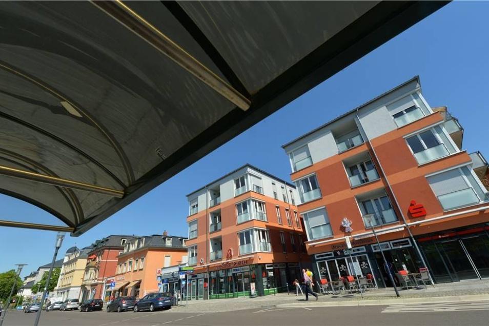 Ost: Die neuen Häuser an der Sidonienstraße mit zum großen Teil neuen Geschäften beleben den Stadtteil deutlich. Auch Wohnungen sind hier entstanden und ordentliche Parkplätze.