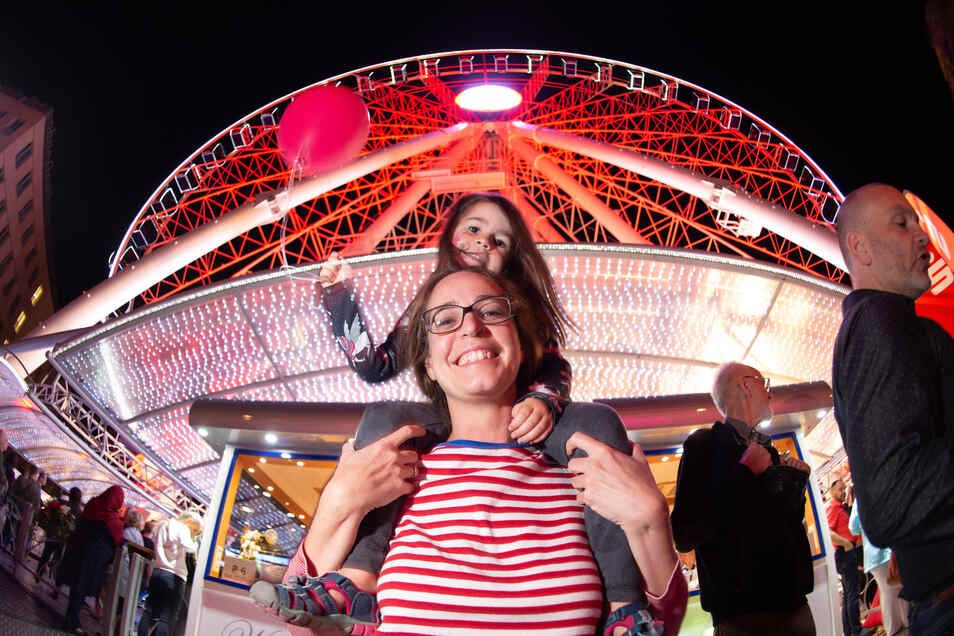 Für die vierjährige Charlotte und ihre Mutter Melanie Weirich gab es einen klaren Höhepunkt beim Stadtfest-Besuch.