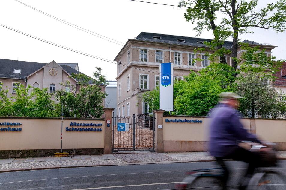 Das Diako öffnet sich mit dem neuen Ärztehaus an der Bautzner Straße Richtung Neustadt. Es wird eines der größten medizinischen Angebote im Stadtteil sein.