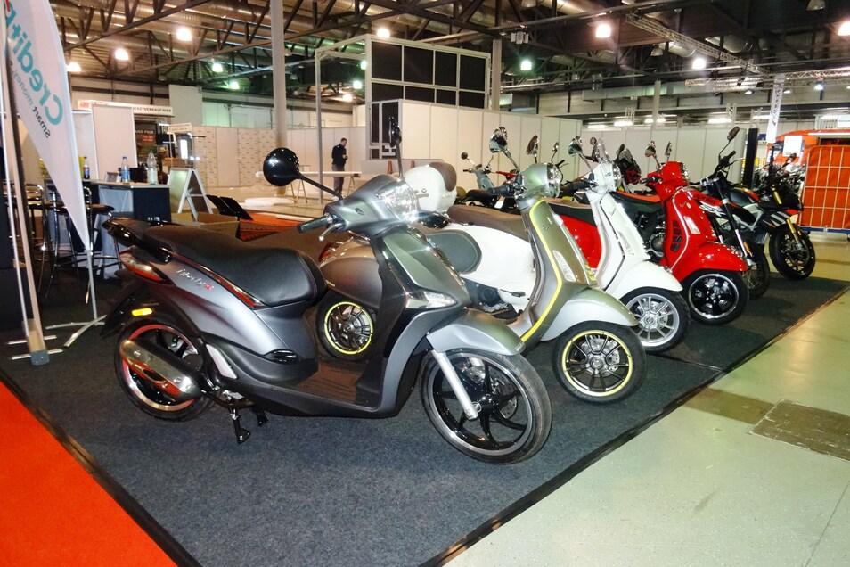 Aus Italien kommt der Rollertrend. Auch Vespa-Roller mit Elektroantrieb werden bei der Messe gezeigt.