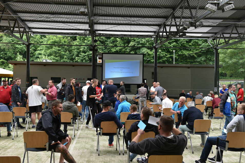 Tagen: Anfang Juni schlossen sich im Hains drei Sportverein zum neuen SC Freital zusammen.