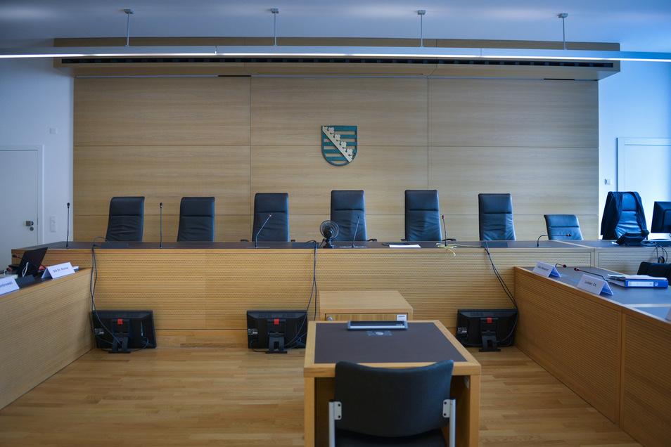 Vor dem Dresdner Landgericht wird ab Donnerstag einer der brutalsten fremdenfeindlichen Überfälle des Jahres 2016 verhandelt.
