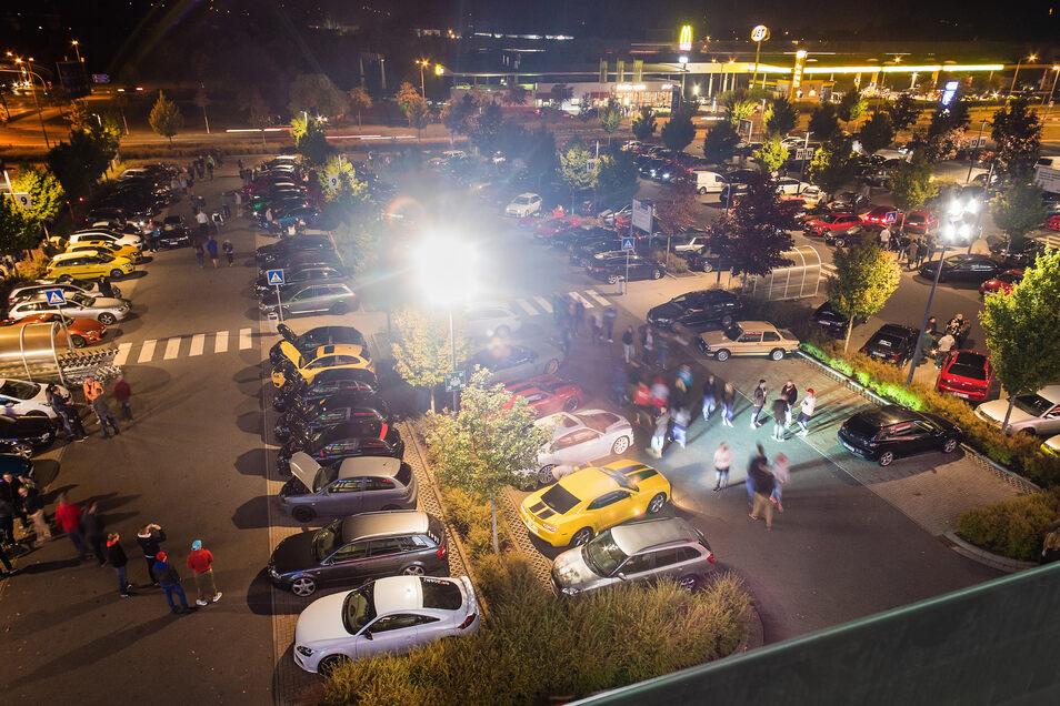 Die Treffen im Elbepark waren immer gut besucht. Am Karfreitag ist das wegen Corona verboten.