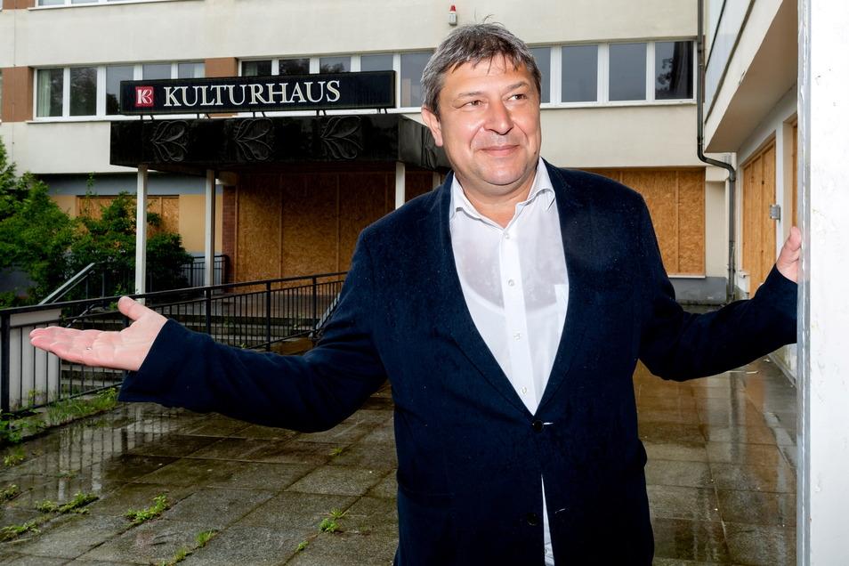 Der Bischofswerdaer Oberbürgermeisters Holm Große ist optimistisch, dass noch in diesem Jahr Fördermittel für die Sanierung und Umgestaltung des ehemaligen Kulturhauses bewilligt werden.
