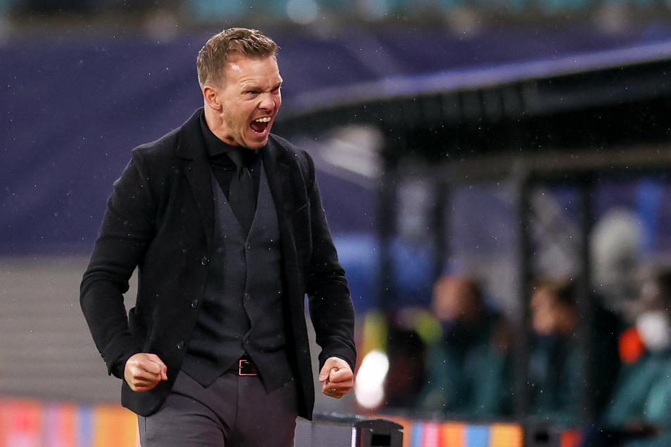 Er liebt es, wenn sein Spielplan aufgeht. RB-Trainer Julian Nagelsmann bejubelt den 2:0-Erfolg beim Champions-League-Start gegen Basaksehir Istanbul.