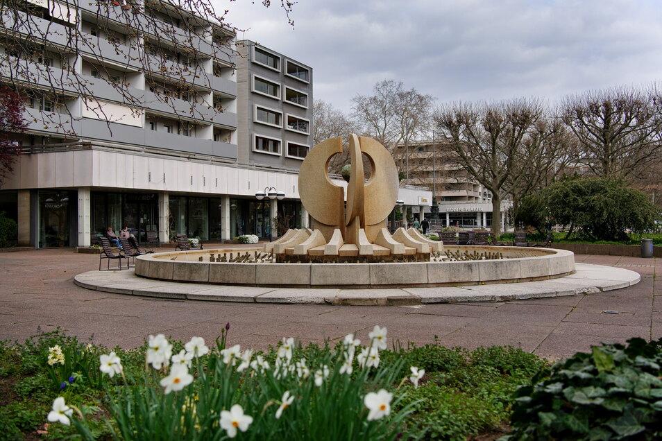 Die Brunnen am Neustädter Markt standen schon länger unter Denkmalschutz, jetzt gilt der Status für den gesamten Platz, der hier im Frühling zu sehen ist.