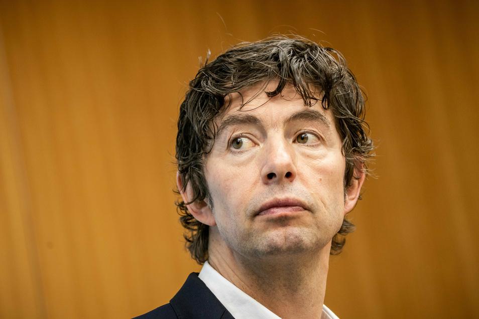 Christian Drosten wird mit dem Verdienstorden der Bundesrepublik Deutschland ausgezeichnet.