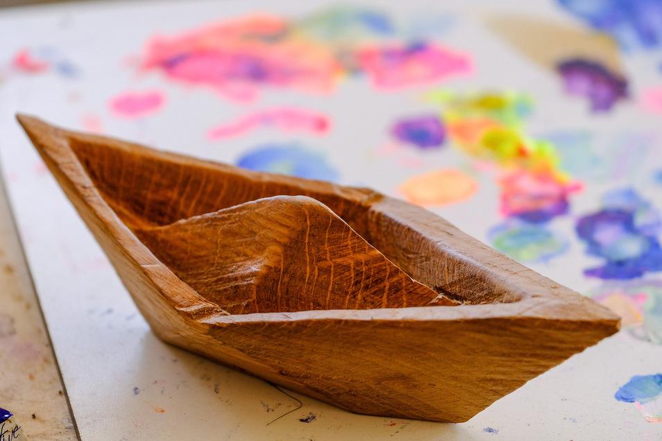 Die Boote werden zum Abschluss noch farblich gestaltet.