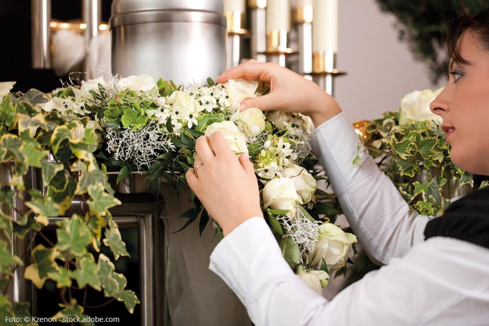Die Ausbildung zur Bestattungsfachkraft erfordert ein Auge für Details.