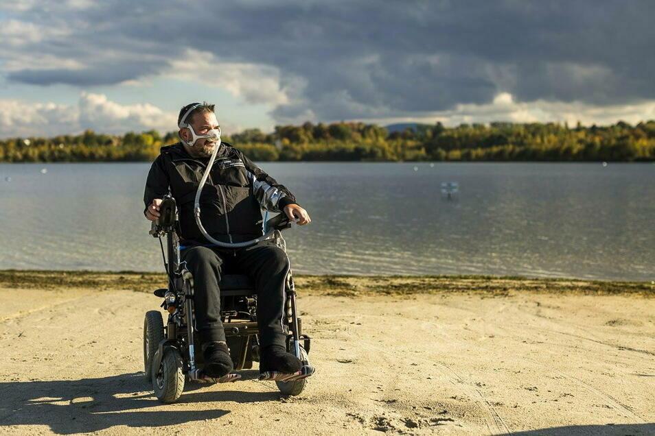 Erster Ausflug nach mehr als zwei Jahren: Im Oktober kann Andreas Bachmann zum ersten Mal wieder an den Olbersdorfer See - ein großartiges Geschenk macht's möglich.