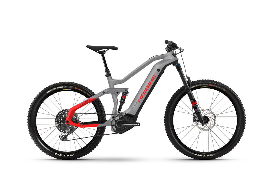 Sportrad: Im E-Mountainbike-Sektor wird weiter hochgerüstet. Das Haibike Allmtn 6 geht mit 600-Wattstunden-Akku und Yamaha-PW-X2-Motor (bis 360 Prozent Unterstützung) an den Start. Preis: ab 5.699 €
