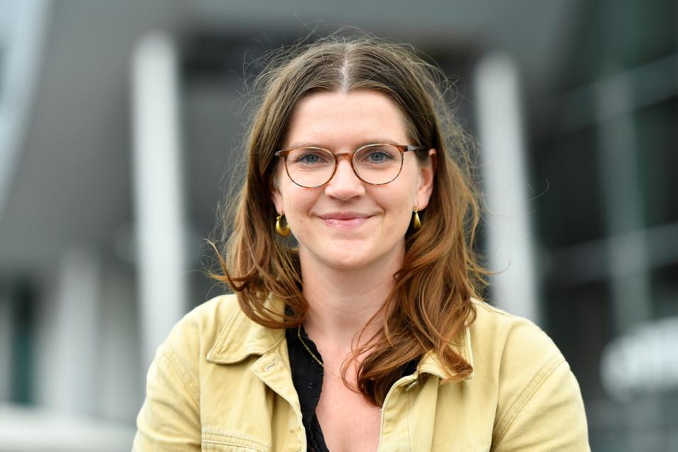 Diplom-Ingenieurin Emese Papp von der TU Dresden unterstützt bei der Nutzeroptimierung der körperunterstützenden Skelette von Ottobock.