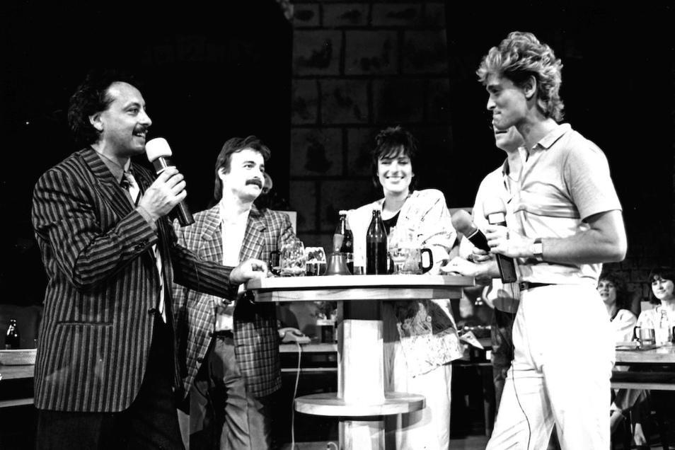 Am Show-Stammtisch mit Wolfgang Stumph, Jürgen Karney, Ina-Maria Federowski, Jürgen Lippert und Olaf Berger (v. l.)