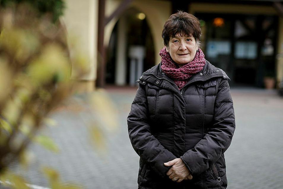 """Birgit Kiok ist Wohnbereichsleiterin im Pflegeheim """"Abendfrieden"""" in Niesky."""