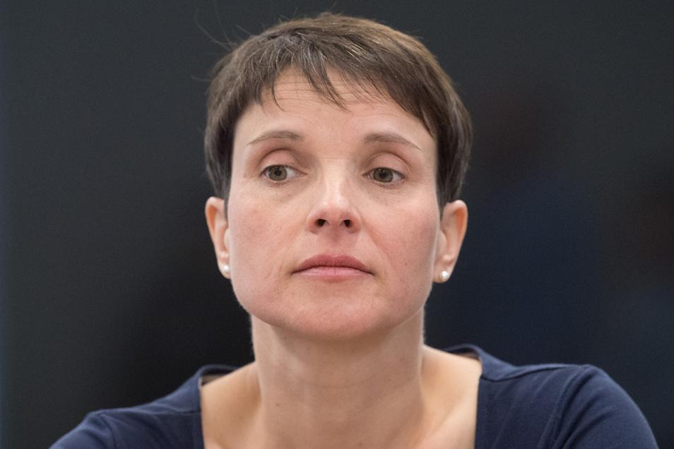 Frauke Petry muss Mitte November erneut vor Gericht erscheinen.