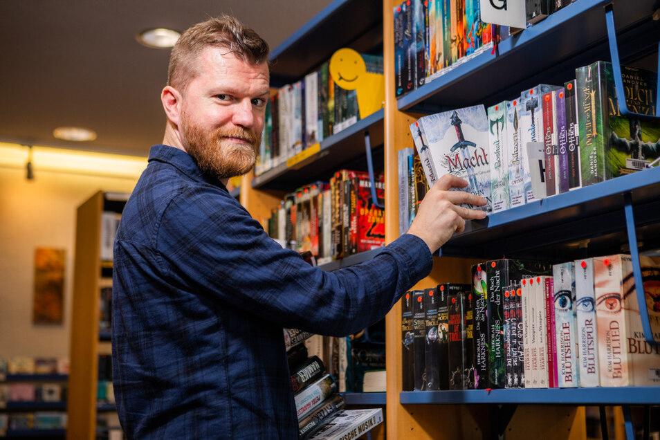 Mladen Vukovic ist der neue Leiter der Brigitte-Reimann-Stadtbibliothek in der Hoyerswerdaer Bonhoefferstraße.