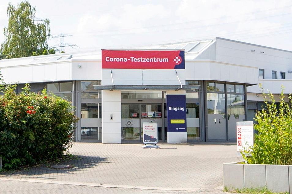 Immer noch Testzentrum, aber ohne lange Schlangen davor: das Angebot der Johanniter in Heidenau.