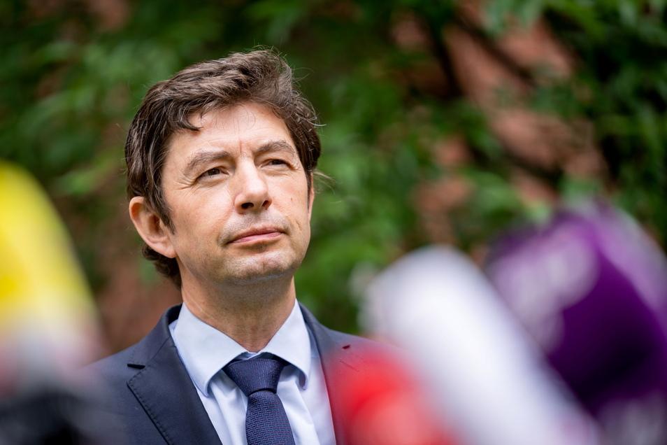 Christian Drosten, Direktor des Instituts für Virologie an der Charité, warnt vor einer zu niedrigen Impfquote.