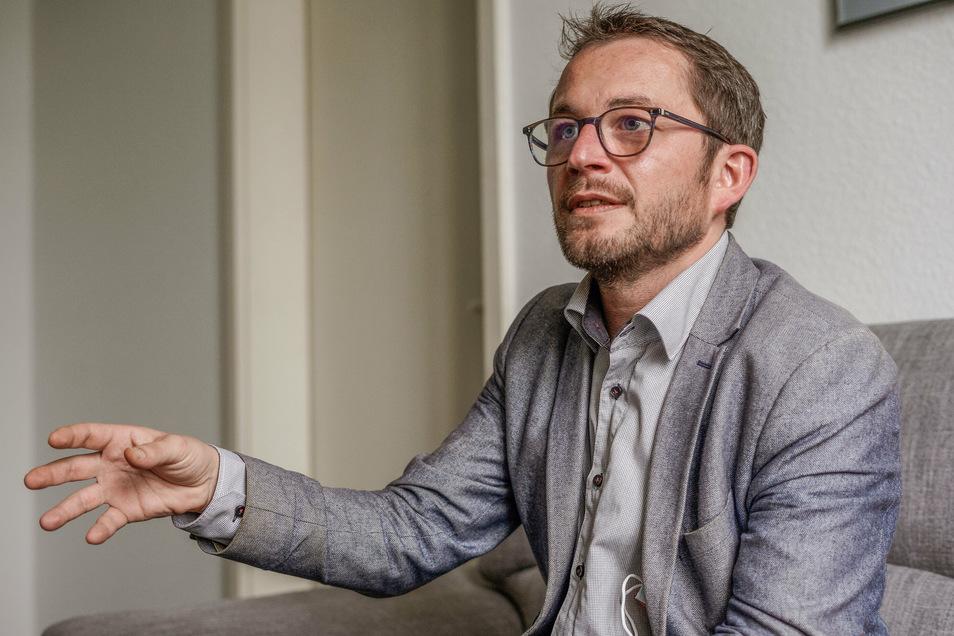 Jens Glowienka hat im Interview in der SZ-Redaktion in Bautzen über sein künftiges Amt als Bürgermeister von Demitz-Thumitz gesprochen - mit ausreichend Abstand zum Redakteur.