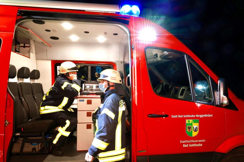 57 Kameraden mehrerer Feuerwehren waren im Einsatz.
