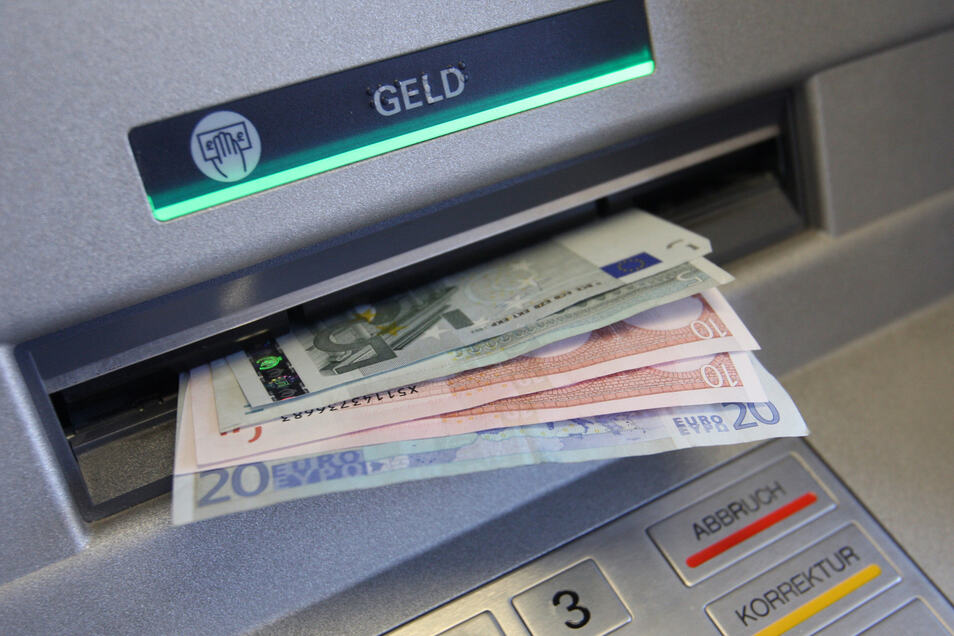 Wer Geld holen möchte, muss am 11. und 12. Juli alternative Automaten nutzen.