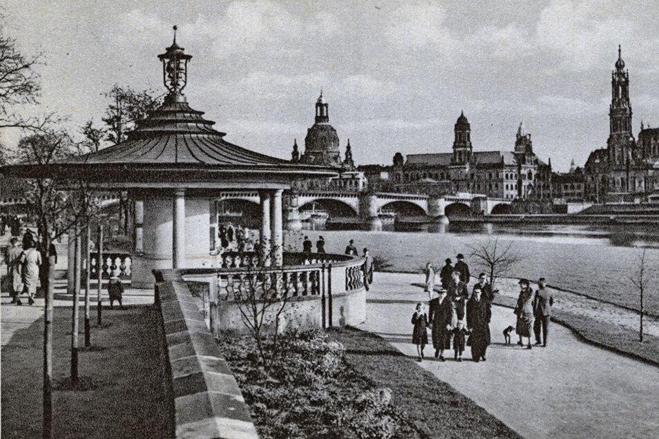 Der Glockenspielpavillon: Beim Japanischen Palais schuf Karl Paul Andrae 1936 den Pavillon. Nach seiner Zerstörung 1945 wurde er von 1990 bis 1992 wieder aufgebaut.