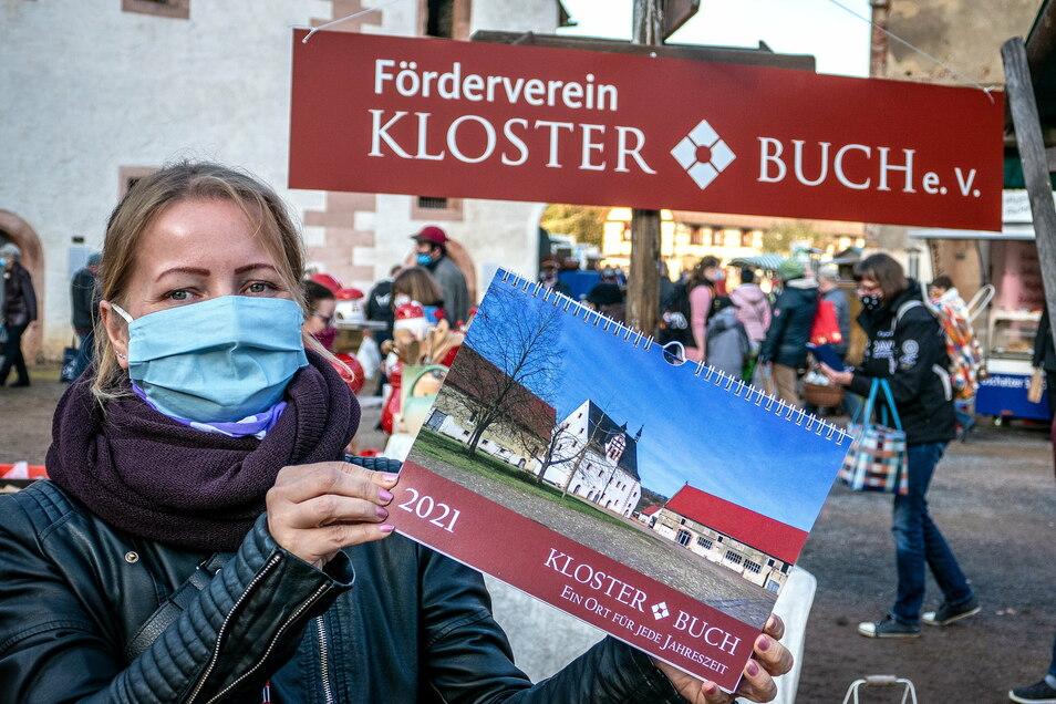 Auch für 2021 gibt es einen Foto-Kalender vom Kloster Buch mit Aufnahmen von Karen Benndorf. Obwohl das Kloster im Dezember coronabedingt geschlossen hat, können sich Interessierte ein Exemplar reservieren und nach Terminvereinbarung abholen.