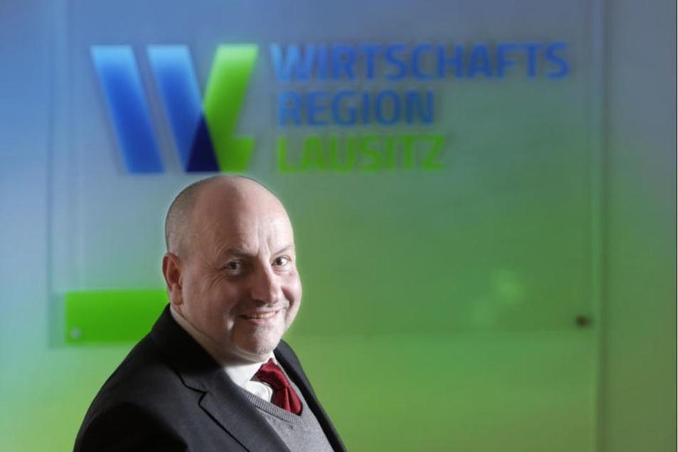 Torsten K. Bork leitet die Wirtschaftsregion Lausitz mit Sitz in Cottbus. Er soll mit dafür sorgen, dass die Region das Aus der Kohleverstromung gut bewältigt.
