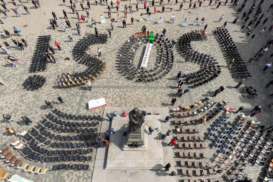 Am 1. Mai demonstrierten Sachsens Gastronomen auf dem Neumarkt in Dresden.