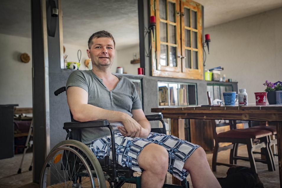 Enrico Wenzel erlitt vor zwei Jahren einen Schlaganfall. Nun hat der Kamenzer ein wagemutiges Projekt vor sich: Der 38-Jährige möchte mit dem Liegerad für die Deutsche Schlaganfall-Hilfe Spenden sammeln. Die Tour soll quer durch Deutschland gehen. Dafür s