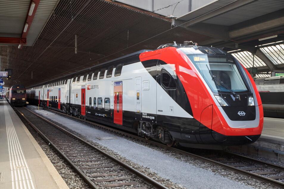 Problembehafter Großauftrag: 2010 hatten die Schweizerischen Staatsbahnen (SBB) 62 Doppelstockzüge bestellt. So rollten sie in Görlitz aus dem Werk.