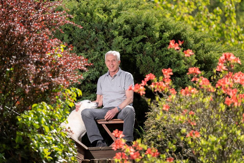 Christoph Franke lebt als Ruheständler entspannt am Ortsrand von Burkhardtsdorf im Erzgebirge. An seine Dresdner Zeit denkt er gern.