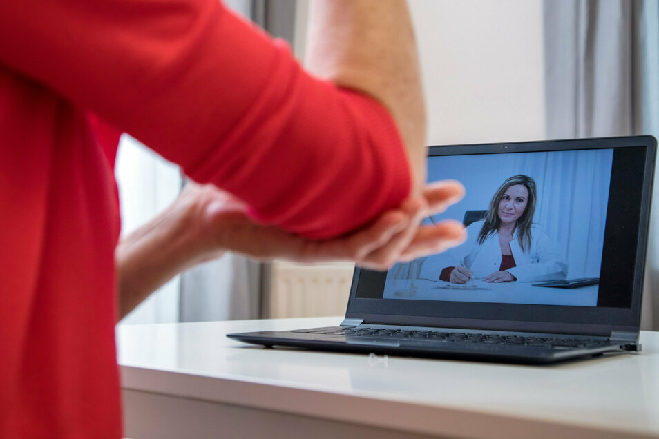 Immer mehr Ärzte in Sachsen behandeln ihre Patienten per Videosprechstunde.