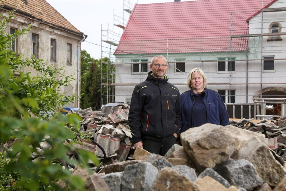 Die ehemalige Gemeinderätin Anja Schultze und ihr Mann Göran ließen einen Vierseithof in Heyda sanieren.