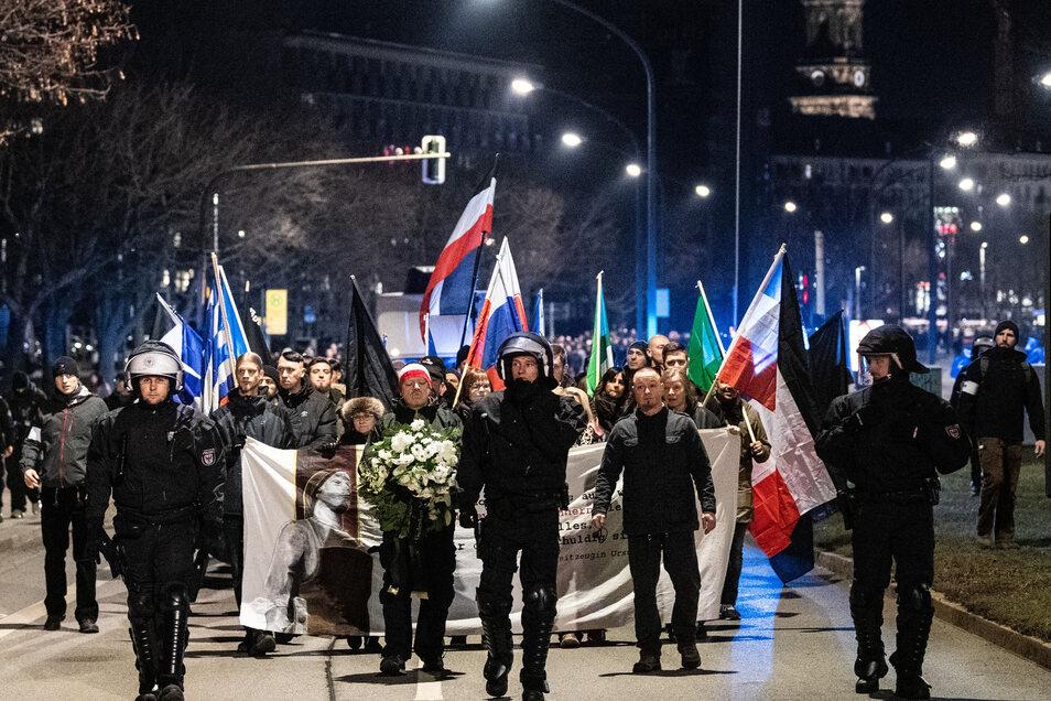 Die Polizei will am 15. Februar die Demoroute für die Neonazis freihalten.