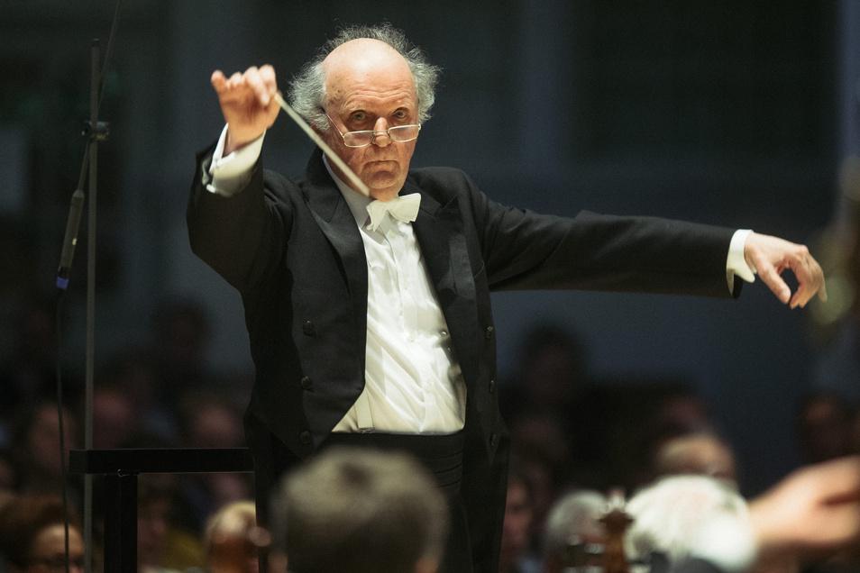 Marek Janowski eröffnete mit dem Konzert der Dresdner Philharmonie am Wochenende die neue Saison im Kulturpalast.