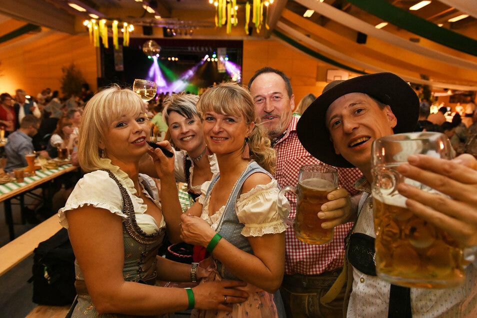 Das Oktoberfest wurde bisher zweimal in der Hartharena gefeiert. Das haus war immer voll, die Stimmung super. In diesem Jahr muss das Fest wegen Corona abgesagt werden.